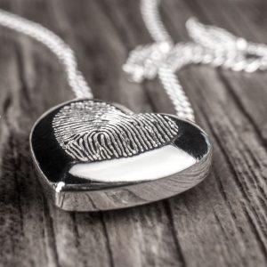 Šperky s otisky prstů