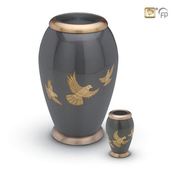 Mosazná urna 1